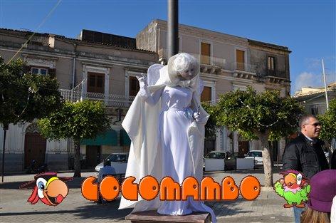 statua umana